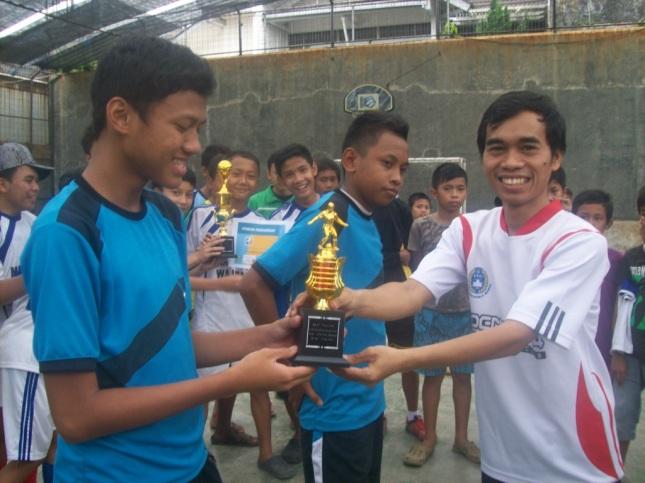 Rifki (Miftahurrahman), pemain terbaik (best player) Liga Kampoeng Santri (LKS) 2012