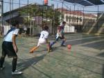 Man to man marking diperagakan oleh anak-anak Kampoeng Santri saat defense
