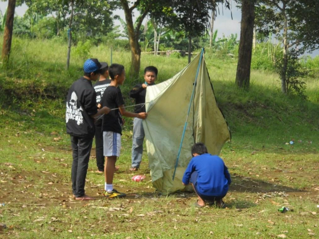 Pendirian tenda 3 oleh kelompok Ikhwan DTW