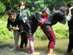 Hiking_Bermain Ular Ularan di Sungai